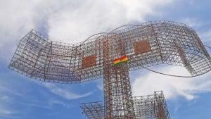 _100125270_picado_monumento